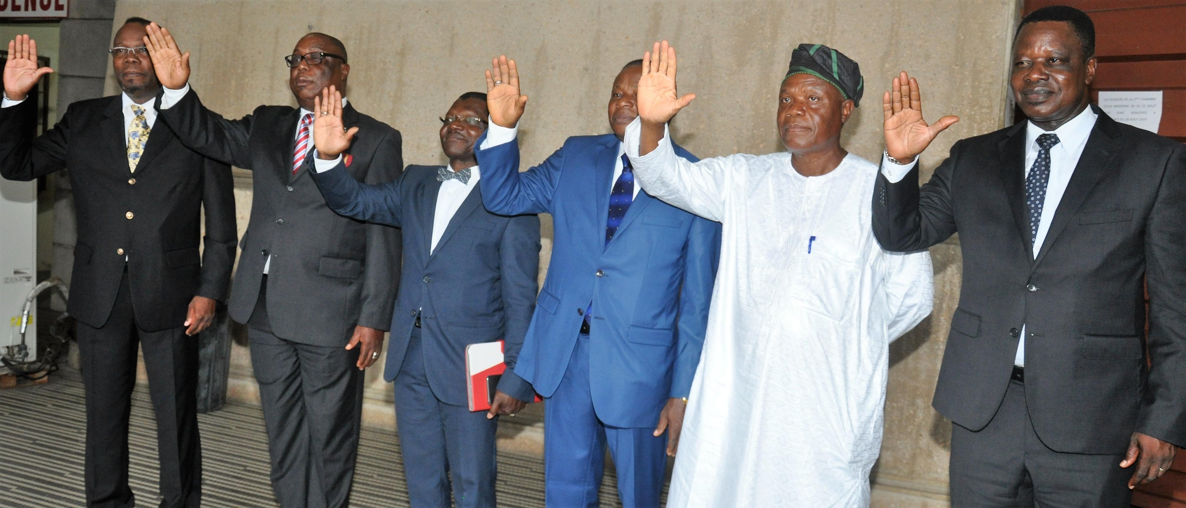 Prestation de serment de nouveaux inspecteurs sécurité de l'aviation civile au Bénin.